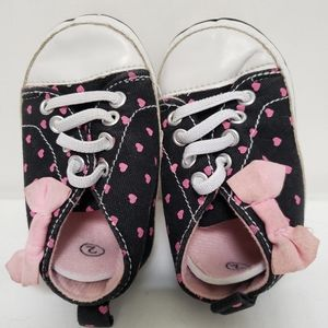 Black Baby Sneakers Dotted with Pink Hearts
